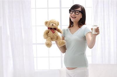 怀孕后能不能戴隐形眼镜.jpg