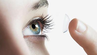 隐形眼镜的正确佩戴方法.jpg