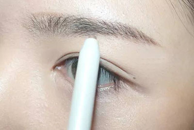 绿色美瞳妆容搭配1.jpg