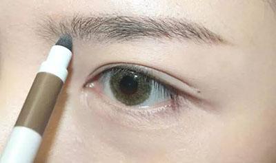 绿色美瞳妆容搭配2.jpg