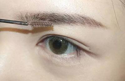 绿色美瞳妆容搭配3.jpg