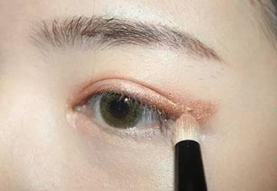绿色美瞳妆容搭配5.jpg