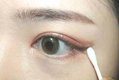 绿色美瞳妆容搭配8.jpg
