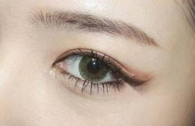 绿色美瞳妆容搭配13.jpg