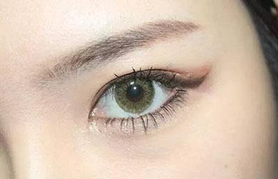 绿色美瞳妆容搭配15.jpg