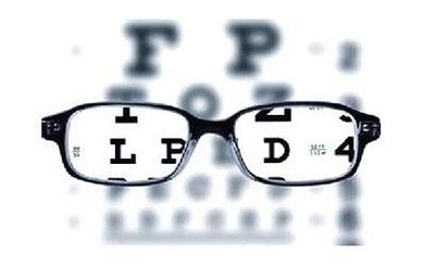 高度近视可不可以戴隐形眼镜.jpg