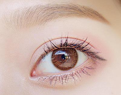 隐形眼镜护理液可以用来洗眼睛吗.jpg