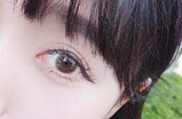 戴隐形眼镜.jpg